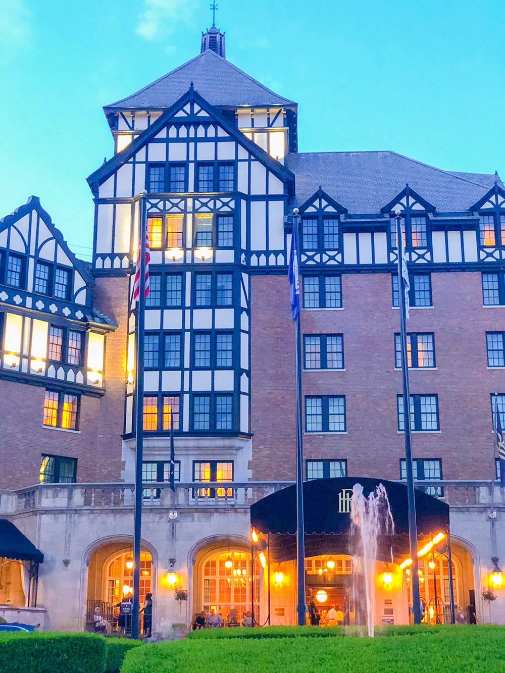 shaunda necole at virginia's hotel roanoke
