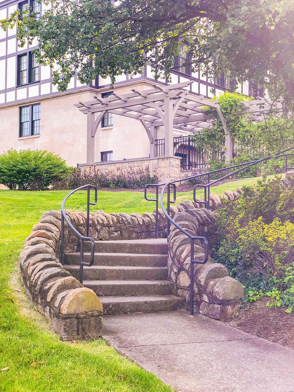 hotel roanoke cobblestone stairs