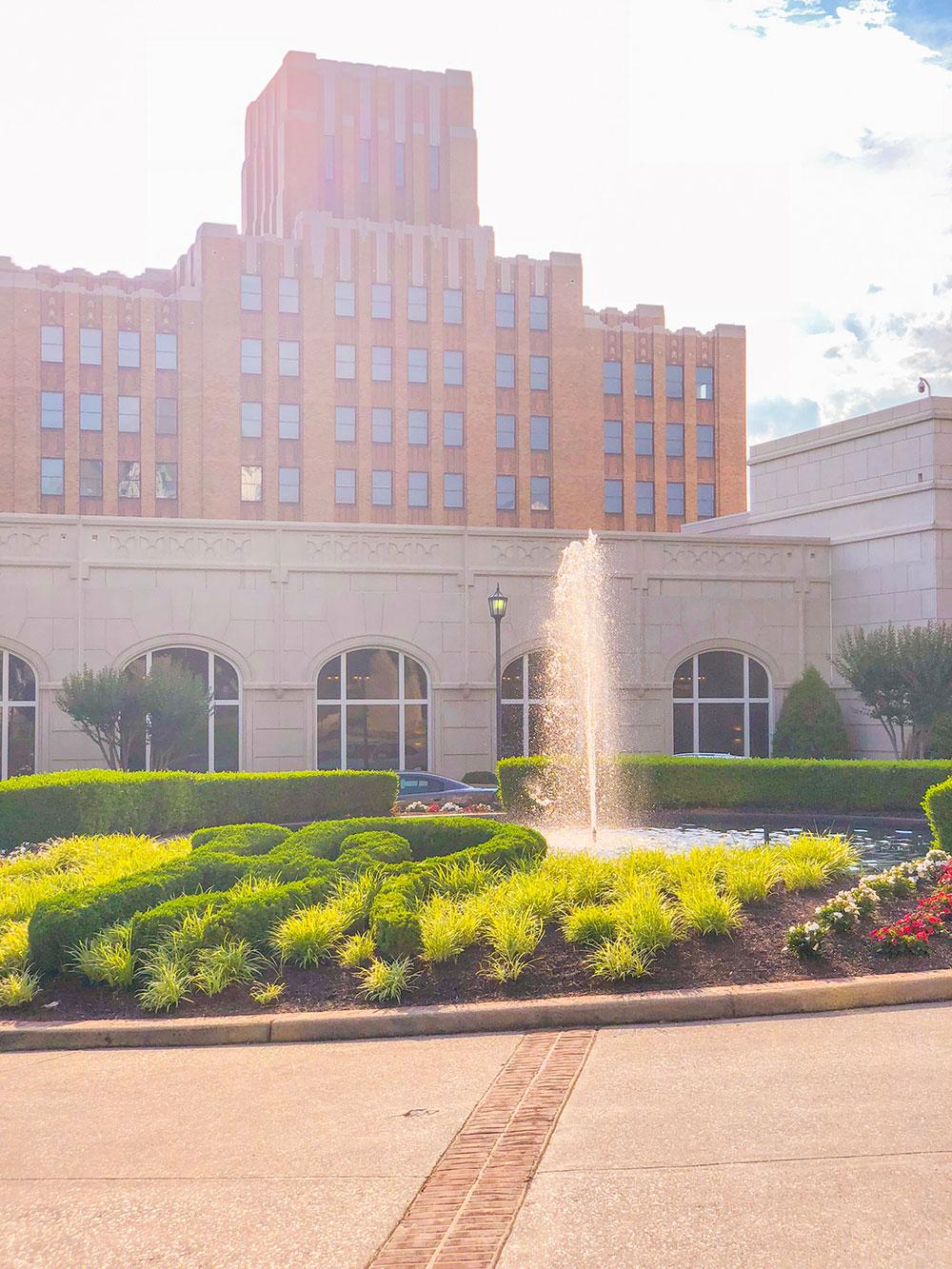 hotel roanoke fountains