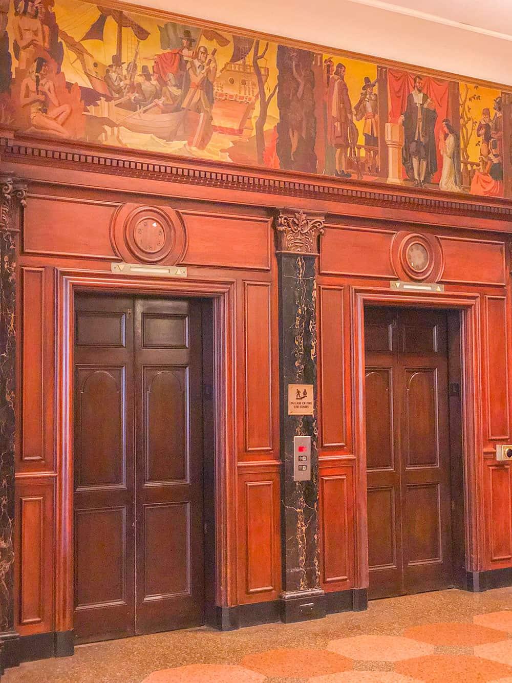 hotel roanoke elevators