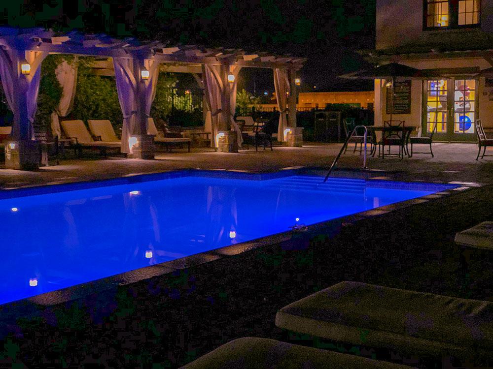 hotel roanoke pool