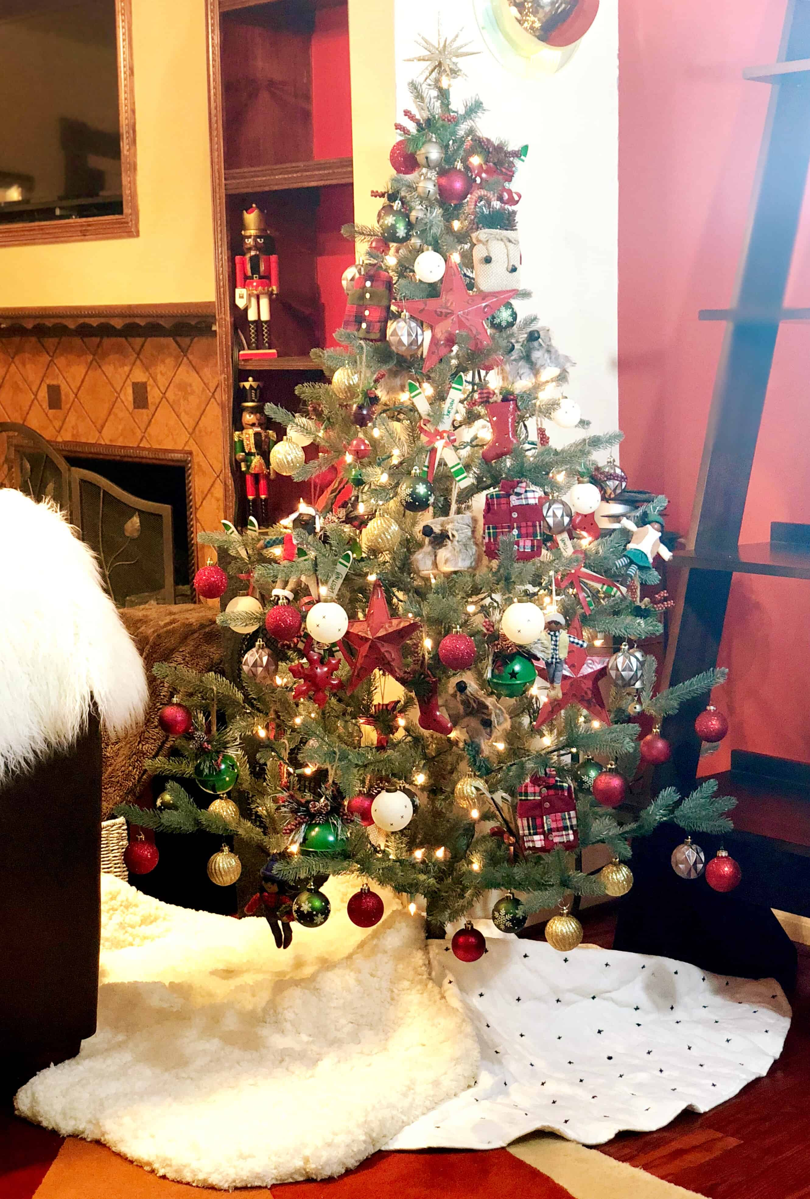 Apres Ski Inspired Christmas Tree