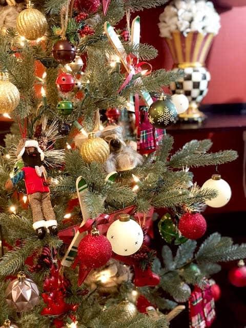Apres ski ornaments