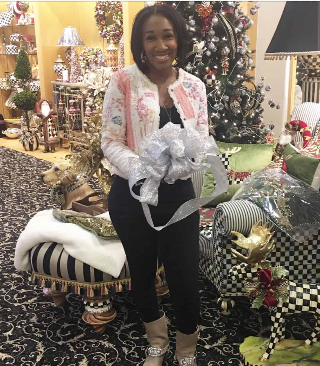 How To Make Fancy Gift Wrap Bows   Shaunda Necole