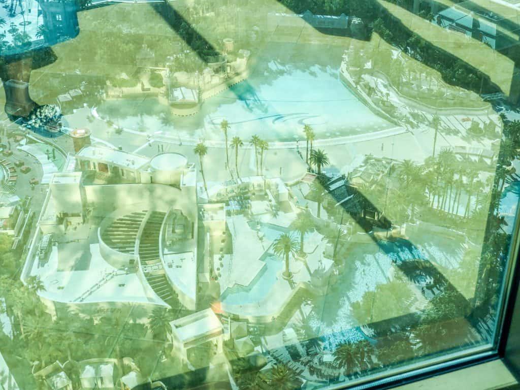 ShaundaNecole.com | Our Stay At Four Seasons & Las Vegas Secret Hotels- Mandalay Bay pools
