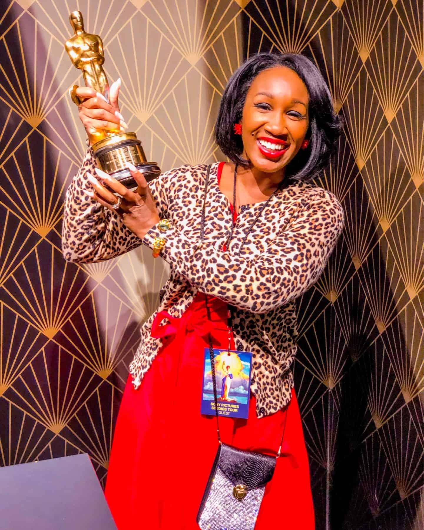 Shaunda Necole golden Oscar statue