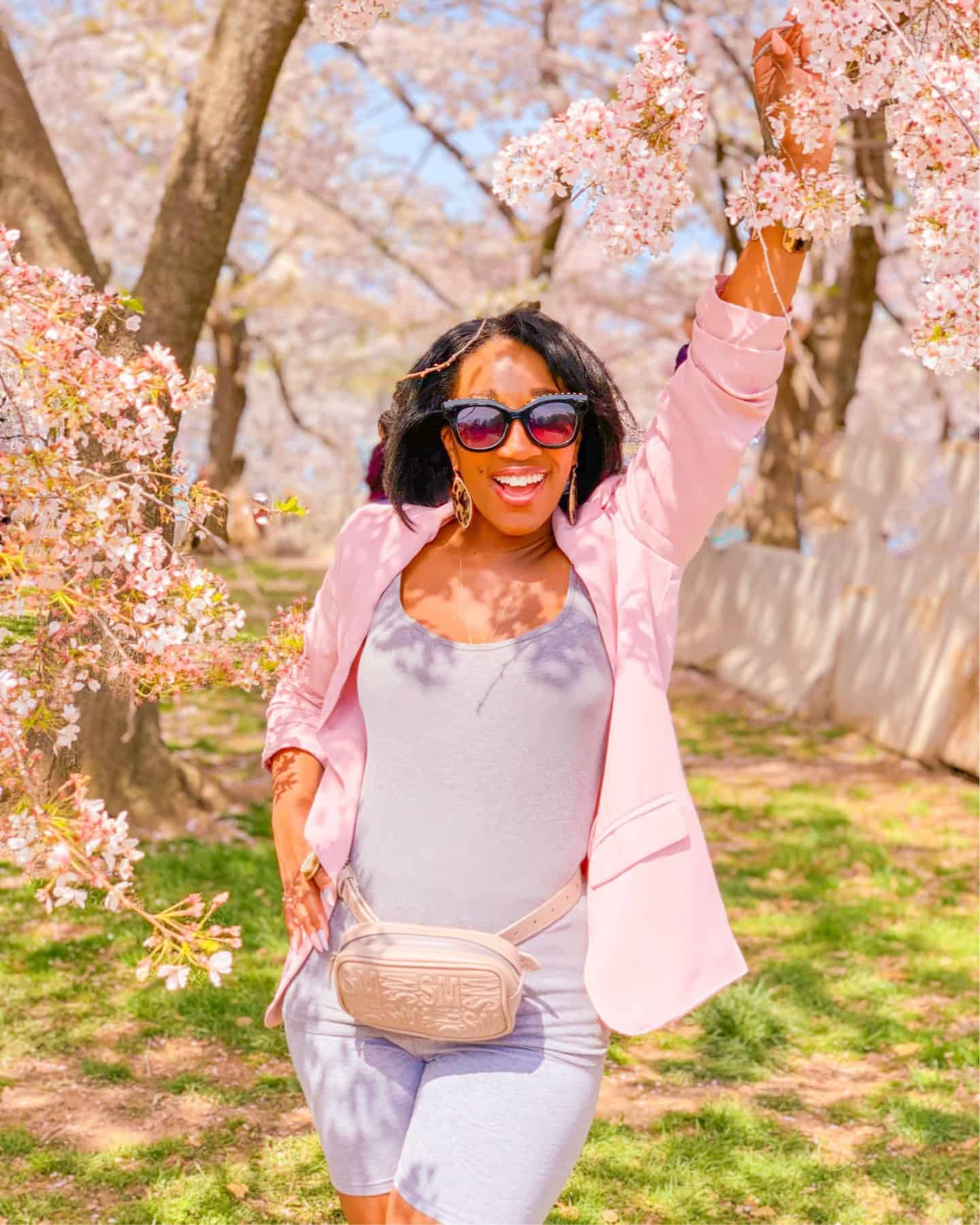 Shaunda Necole- The Secrets Instagram Influencers Use To Achieve Picture Perfect Poses- Even In Poor Lighting- Lightroom app
