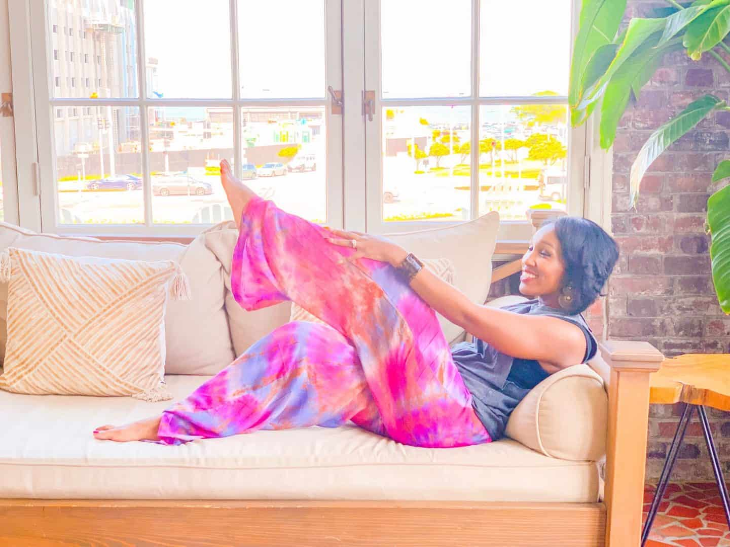 Shaunda Necole- The Secrets Instagram Influencers Use To Achieve Picture Perfect Poses- Even In Poor Lighting- Colorstory app
