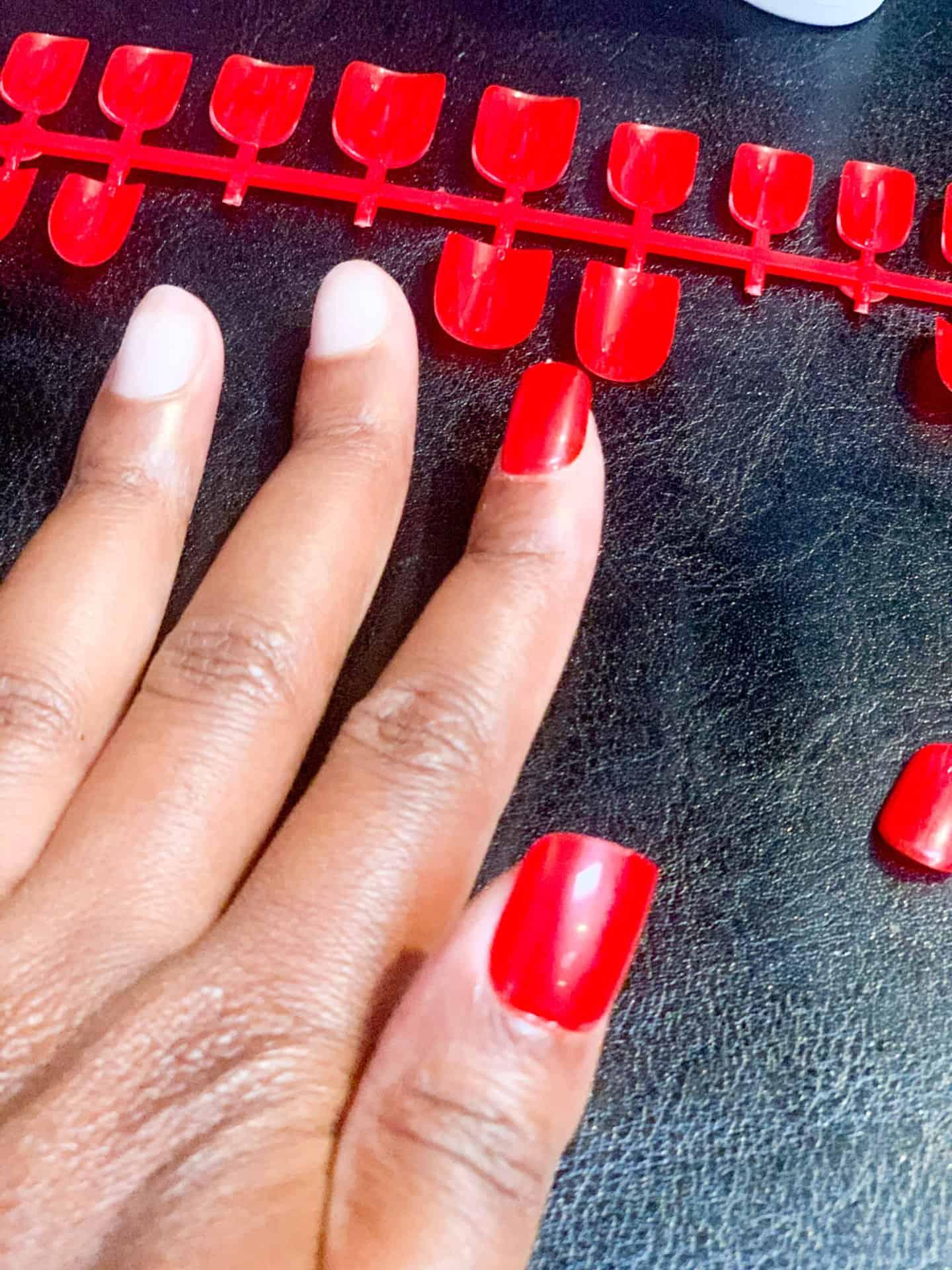 Five-Minute Full Set DIY Flawless Manicure