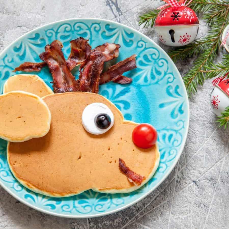 Best DIY Christmas Reindeer Pancakes