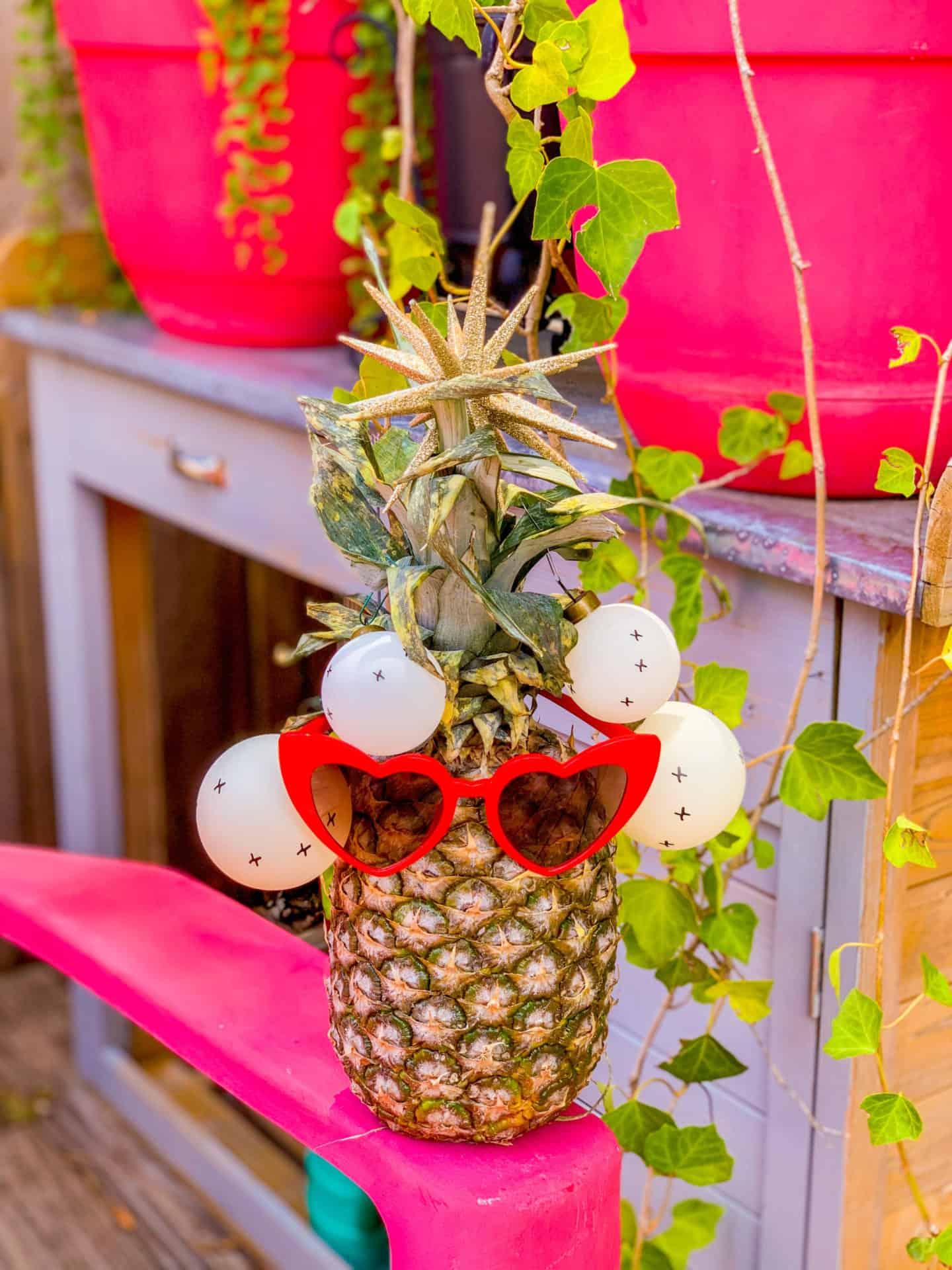 DIY Christmas Pineapple Tree