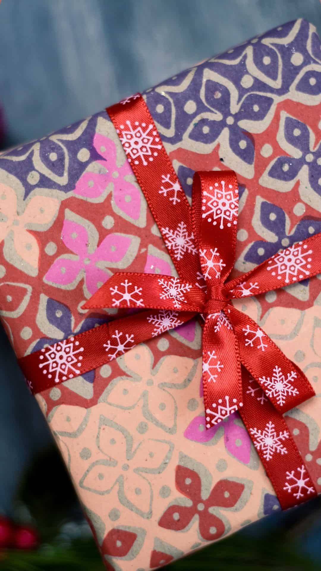 Christmas Wallpapers For iPhone Wrapping Paper