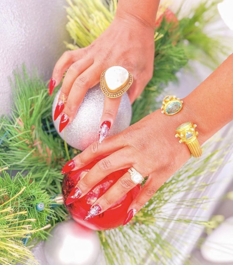 Fancy Christmas Holiday Nails Ideas & Inspiration