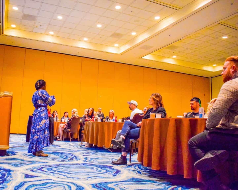 Shaunda Necole Las Vegas Speaker & Social Media Growth Expert