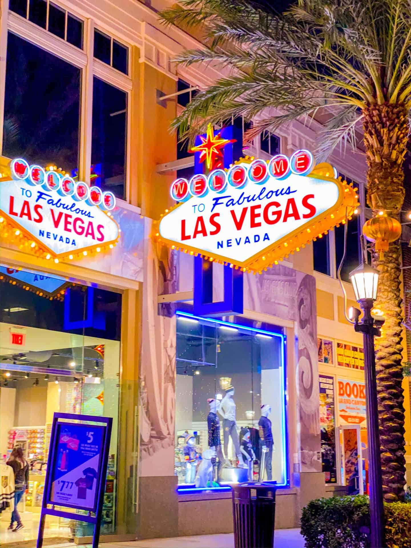 The ultimate Las Vegas travel guide book