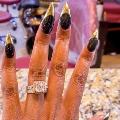 Black Nails Gold Tips
